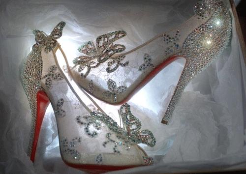 Zapatos Louboutin Facebook