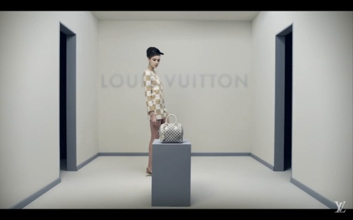 check-in-check-out-louis-vuitton