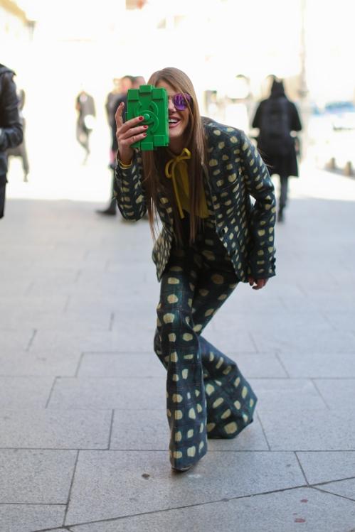 Anna-Dello-Russo_clucth Chanel_boy brick