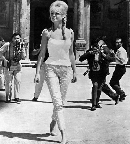 Polka-dots print_ Brigitte Bardot