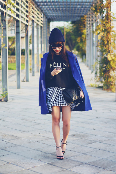deep-blue-wool-coat-feline-meow-jumper-houndstooth-skirt_400